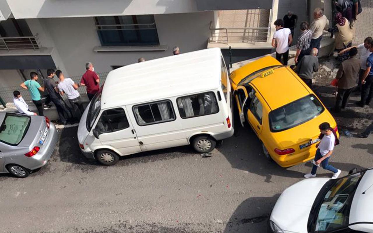 Ankara'da freni boşalan taksinin çarptığı kişi, 5 metreden düşerek öldü