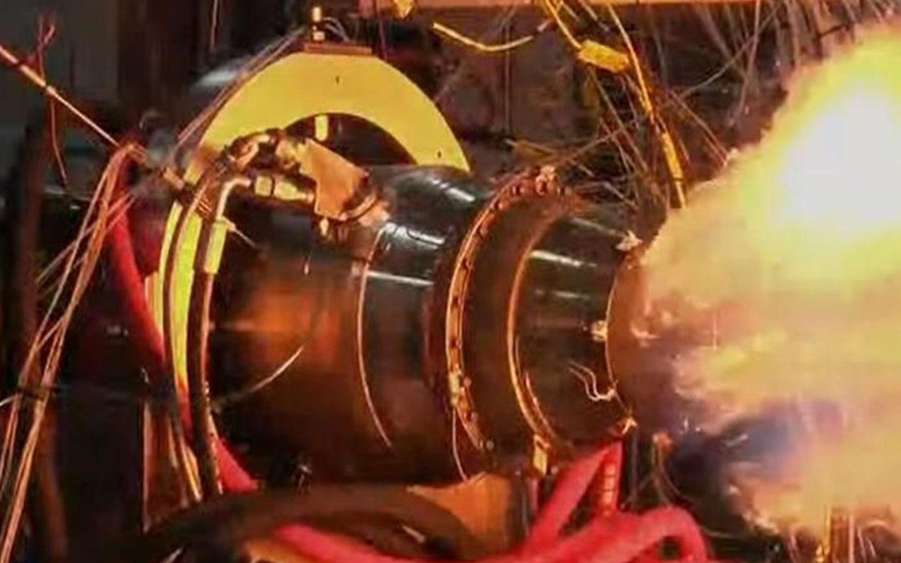 Türkiye'nin ilk yerli füzenin motoru test edildi