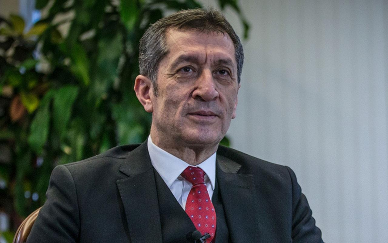 Milli Eğitim Bakanı Ziya Selçuk velilere 'karne' verdi