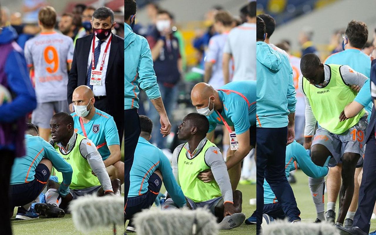 Seyircisiz maçta Demba Ba'ya su şişesi atıldı