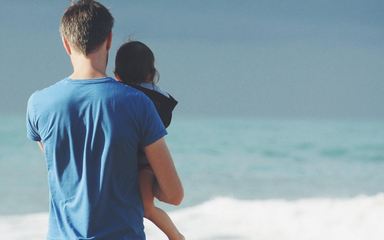 Babalar günü mesajları kısa resimli duygusal sözler 2021
