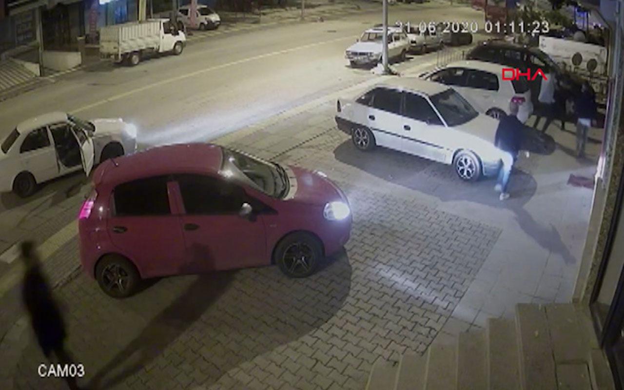 Ankara'da Kick boks sporcusu tartıştığı 3 kişiyi 30 saniyede yere serdi!