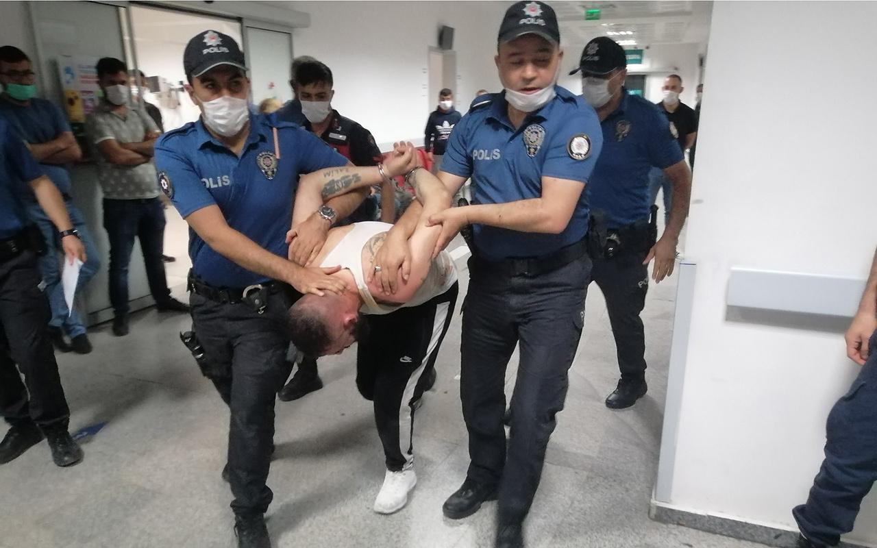 Önce bekçiyi ezdi, sonra gözaltına alınmamak için polisin ayağını kırdı