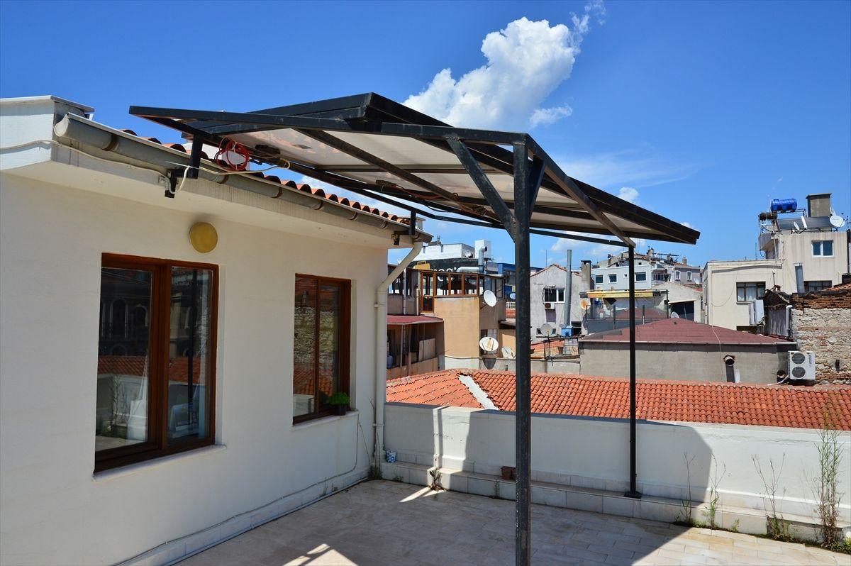 2 cep telefonu fiyatına balkona kurdular 7 yıldır elektrik faturası ödemiyorlar