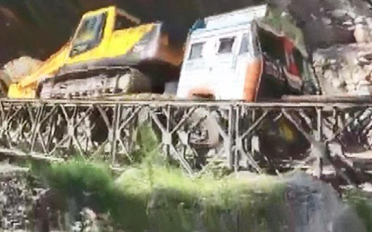 Hindistan'da aşırı yükü kaldıramayan köprü çöktü 2 yaralı