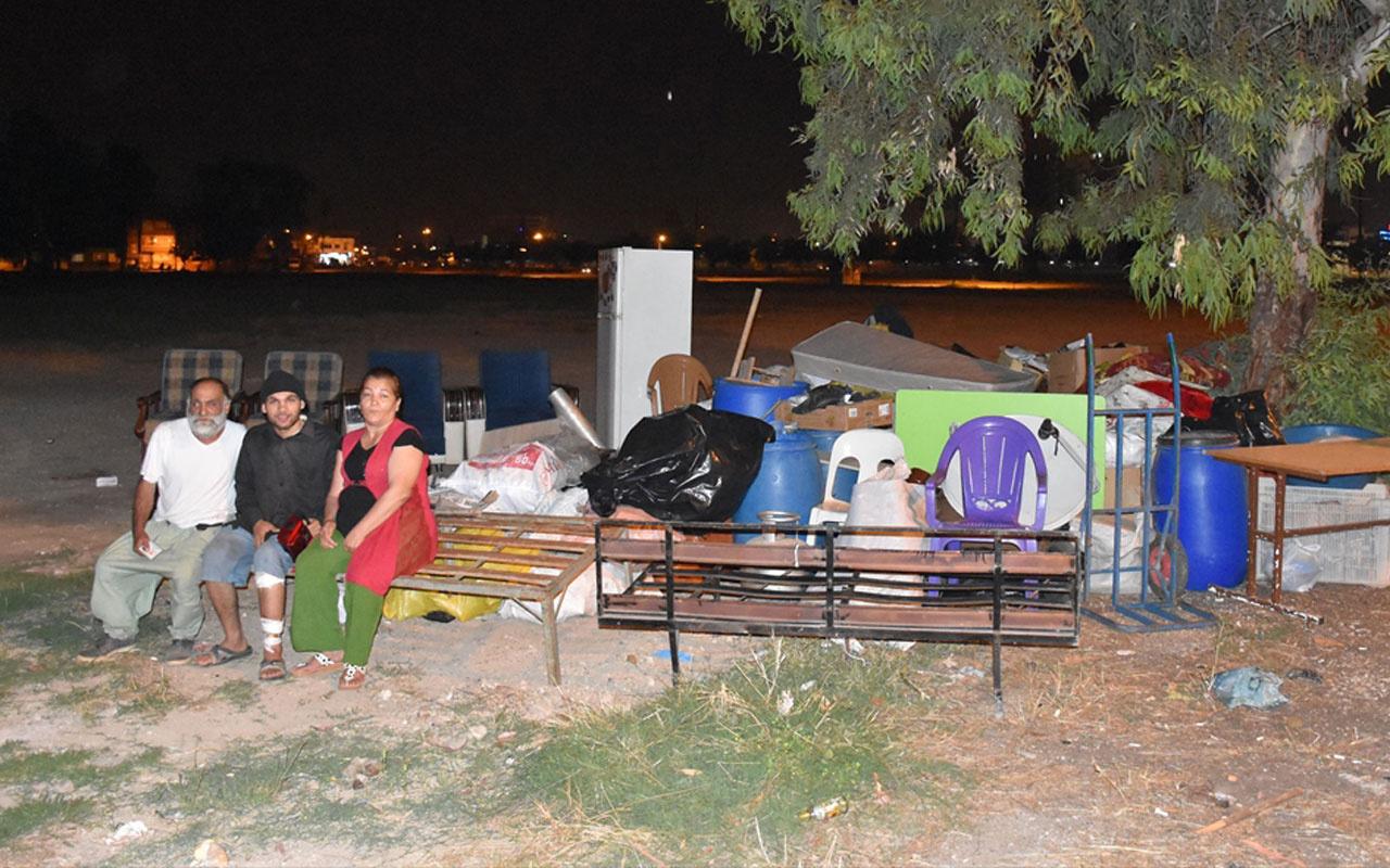 Adana'da kirasını ödeyemeyen aile sokakta kaldı
