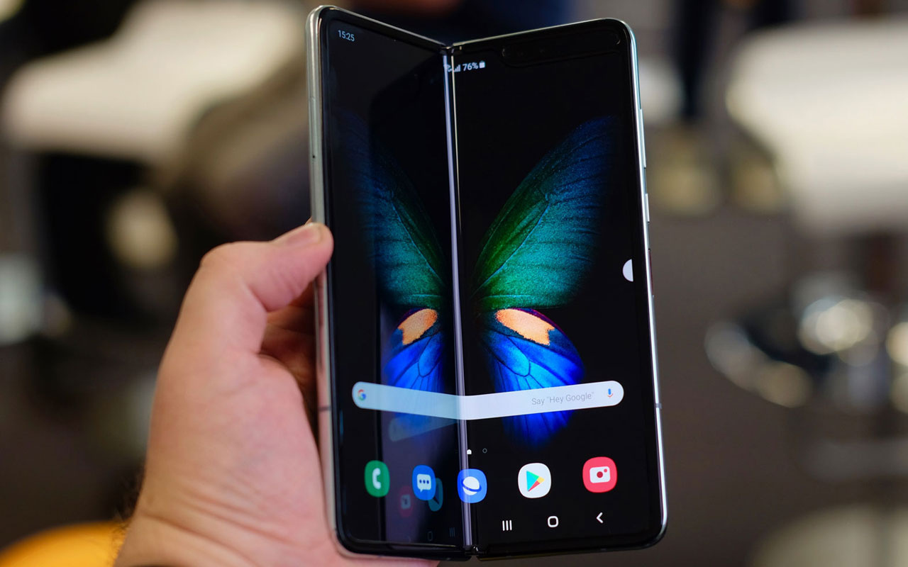Galaxy Fold Lite fiyatı ve işlemcisi sızdırıldı! Rekabet kızışmaya başladı