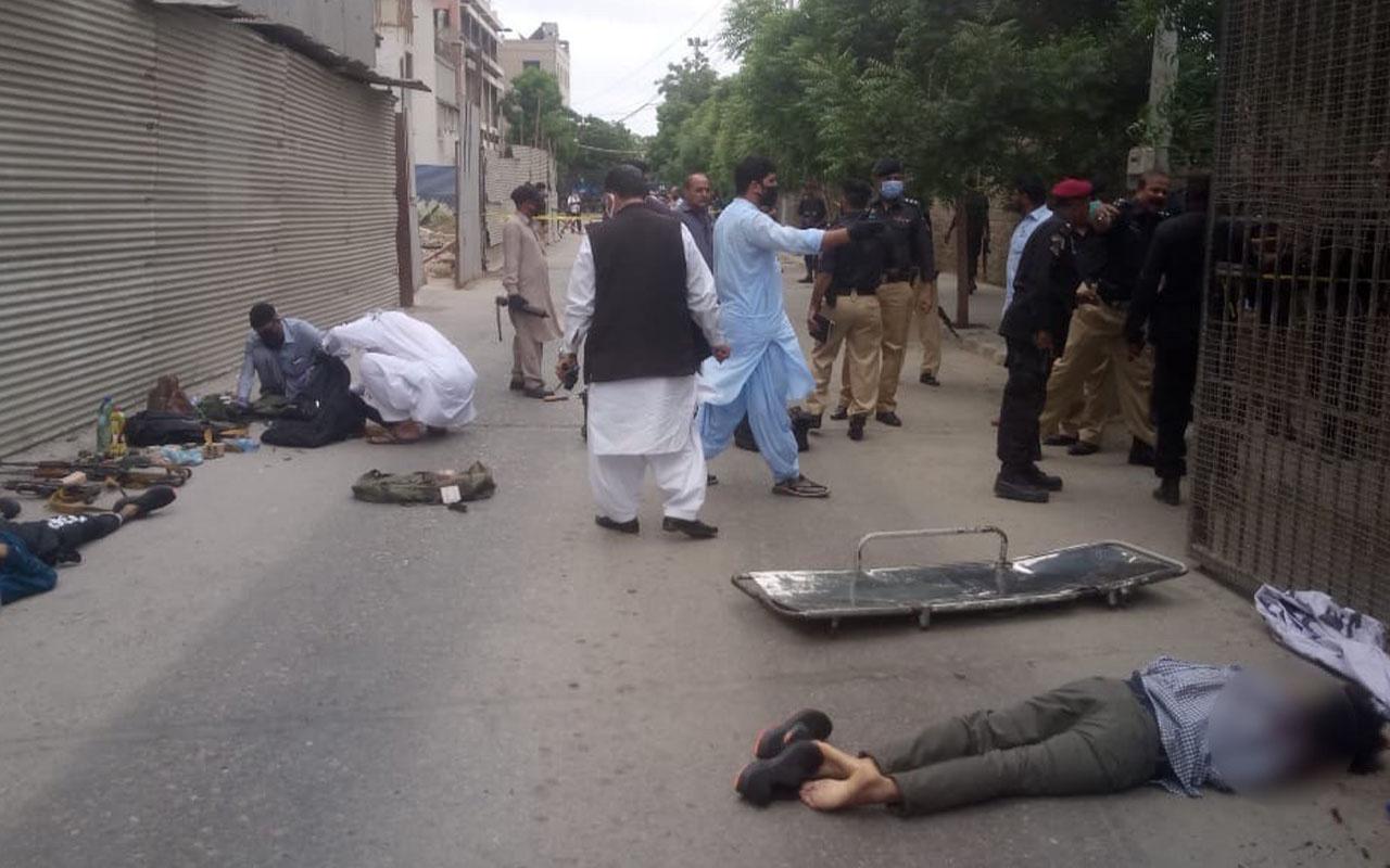 Pakistan'da borsa binasına silahlı saldırı: 2 ölü