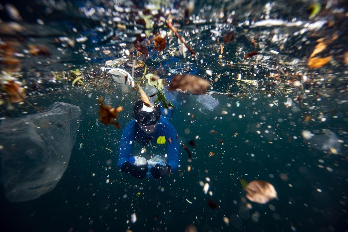 İstanbul Boğazı'na korona bulaştı! Eldiven maske ve dezenfektan çöplüğü oldu