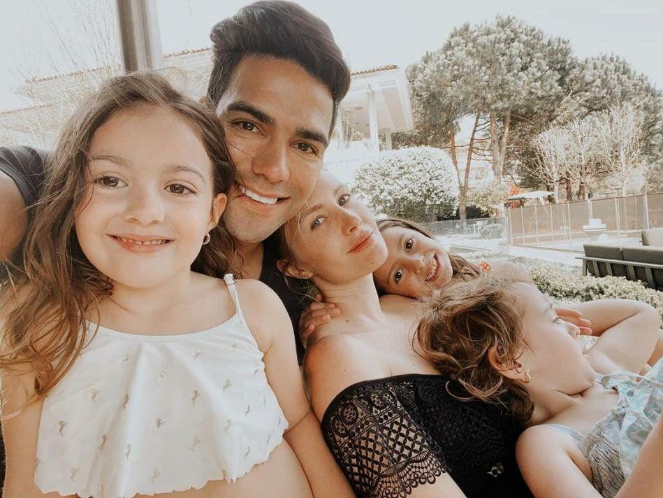 Falcao'nun eşi doğum için Türkiye'yi seçti sağlık sistemini öve öve bitiremedi