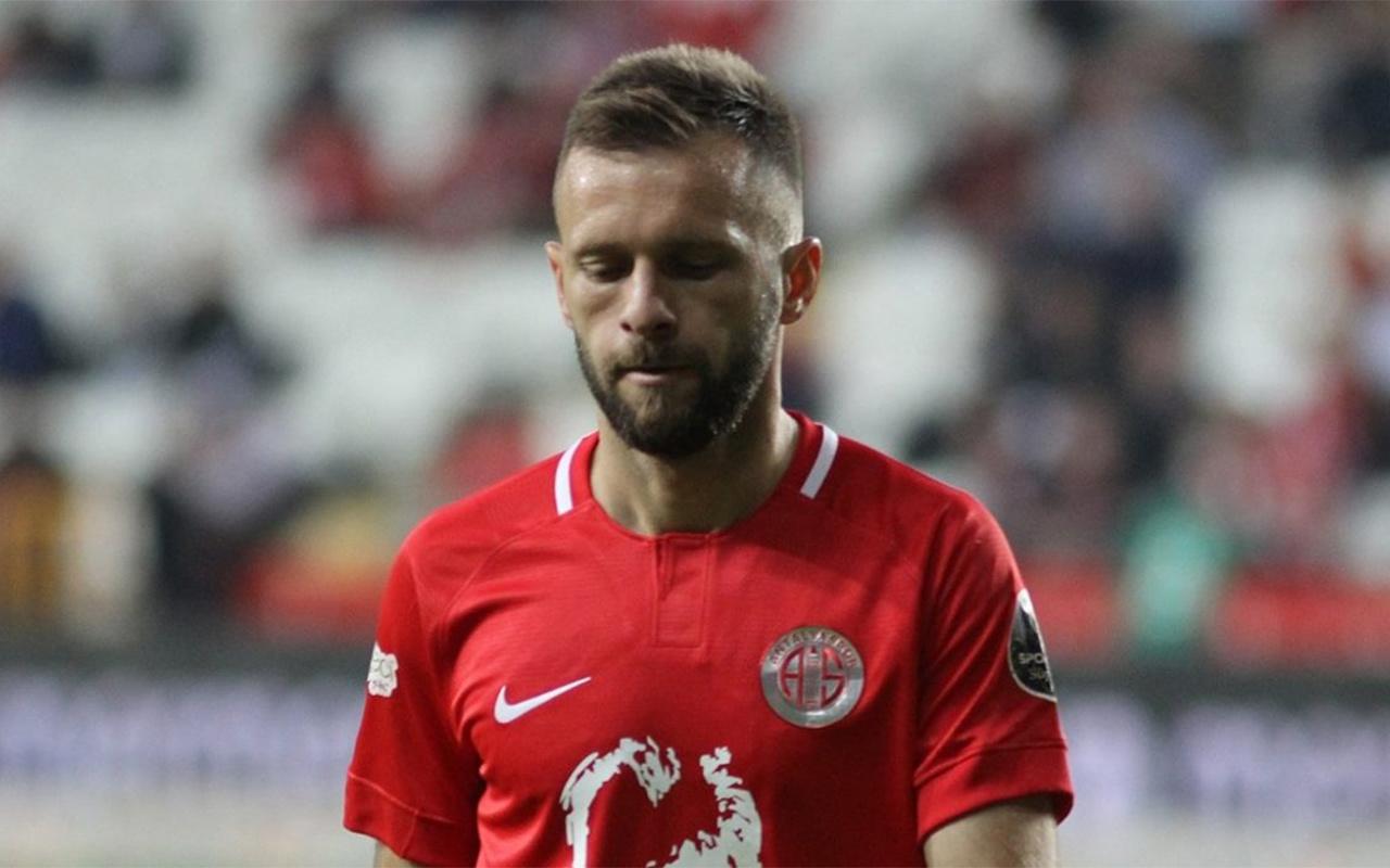 Antalyasporlu futbolcu Hakan Özmert'e 3 maç ceza