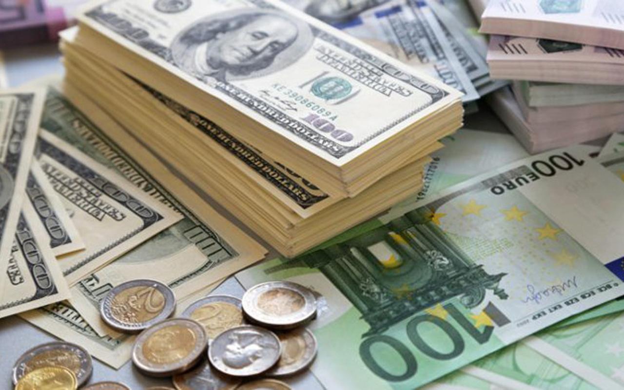 Dolar rekor seviyelerde seyrediyor! Gözler Merkez Bankası toplantısına çevrildi