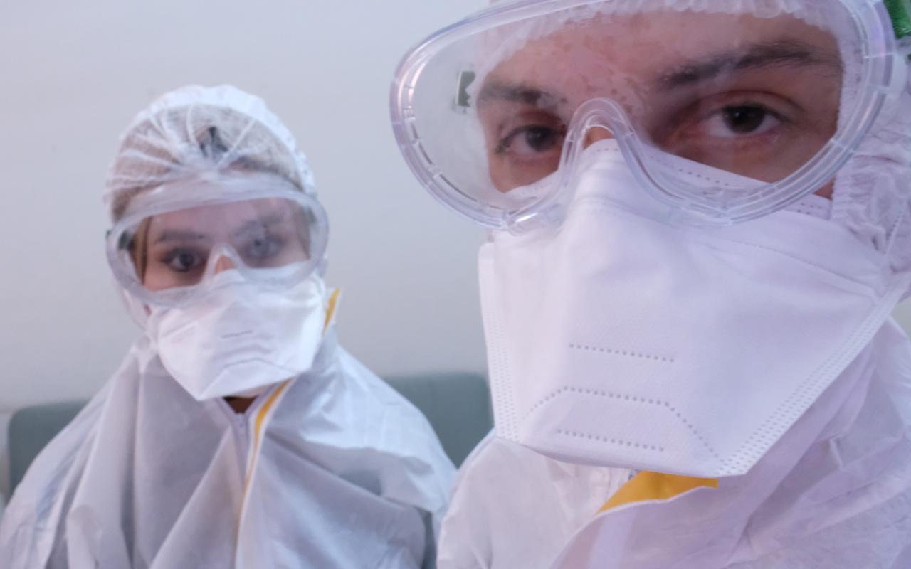 Konya'da koronavirüsü yenen sağlık görevlisi çift görevine geri döndü