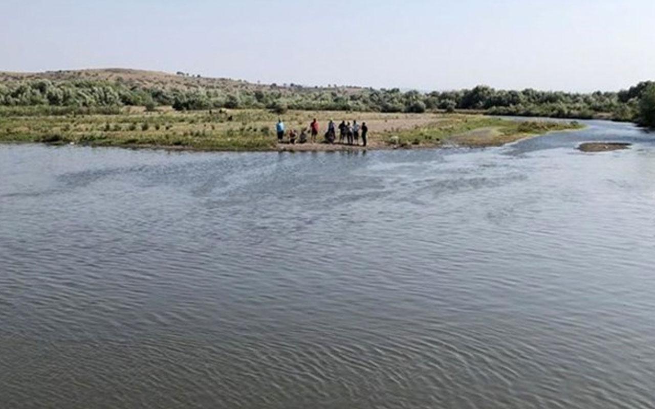 Balıkesir'de acı olay! Çocuklarını boğulmaktan kurtaran baba hayatını kaybetti