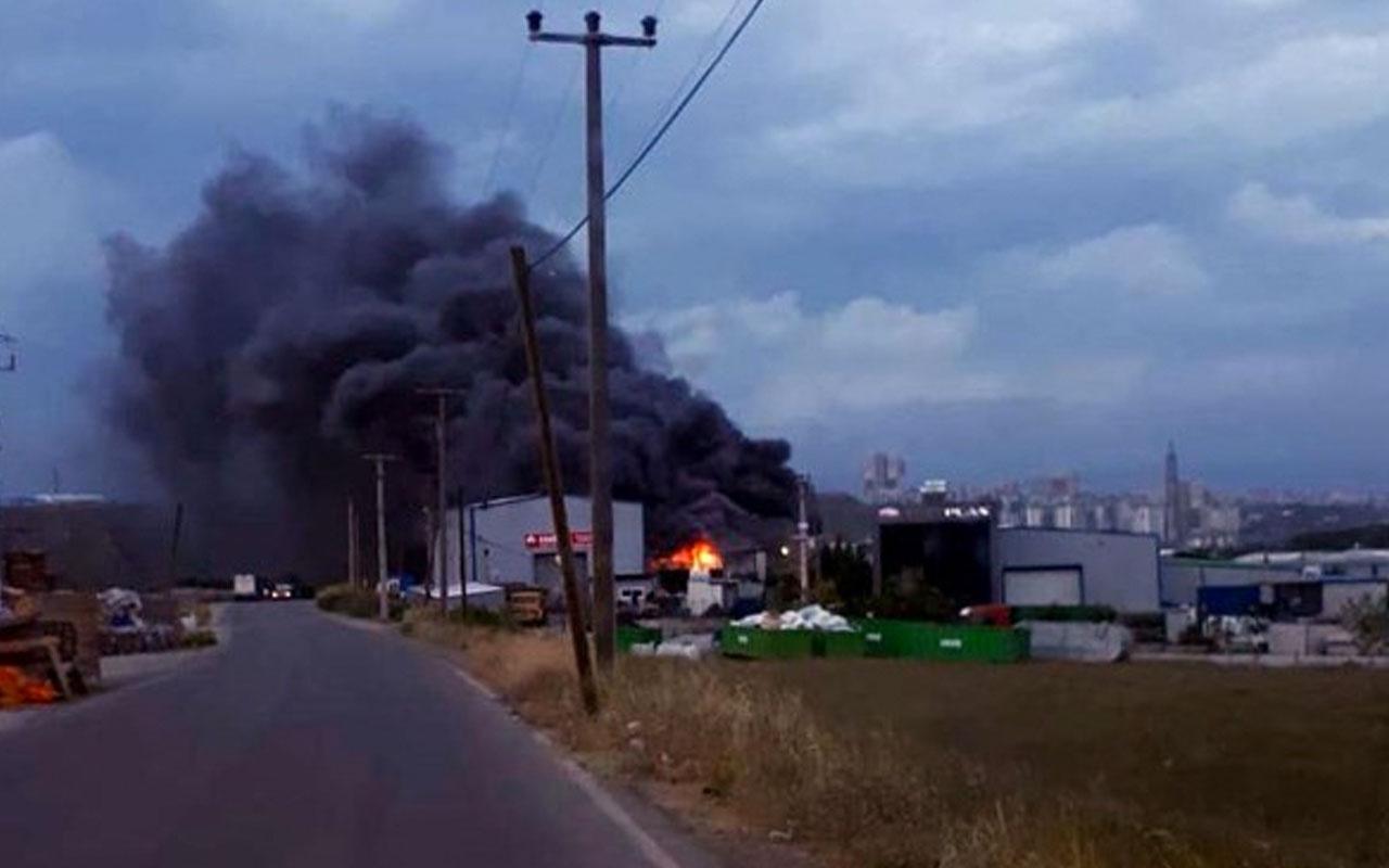 Gebze'de geri dönüşüm tesisi alev alev yandı! Korkunç anlar kamerada