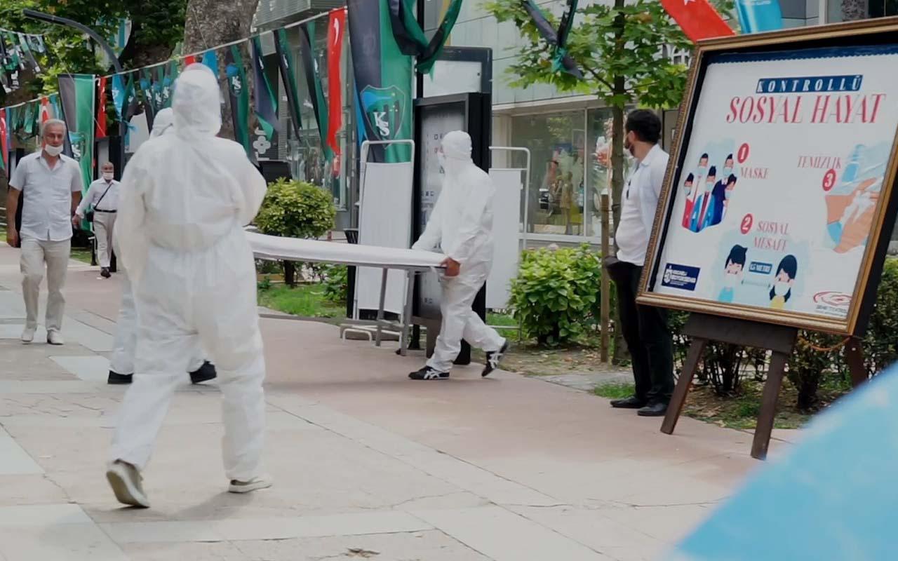 Sokakta maskesiz gezenlere şoke eden uyarı-7