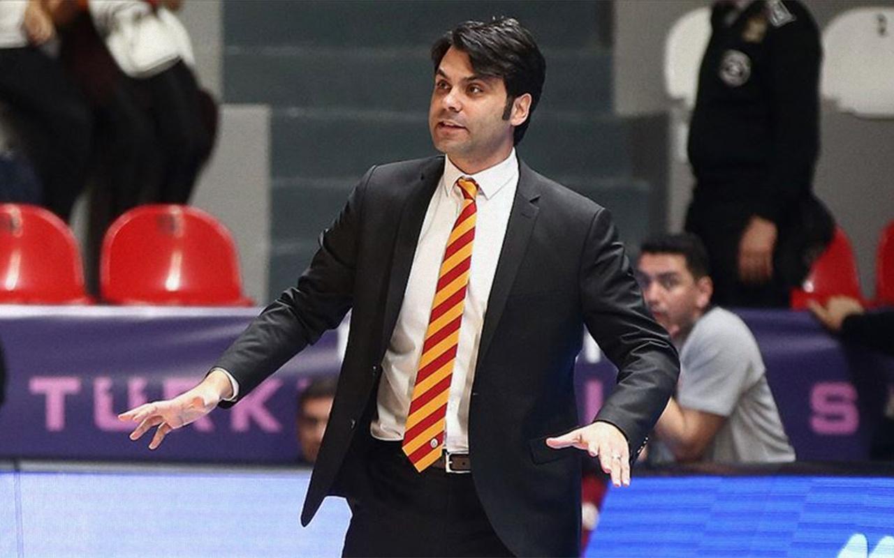Galatasaray başantrenör Efe Güven ile nikah tazeledi