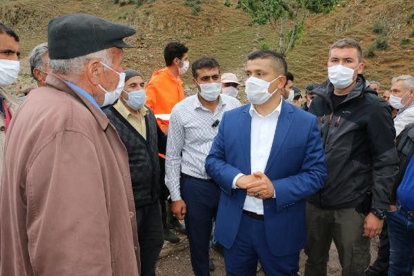 Van Erciş'te yaşanan sel felaketinde 1 ayı telef oldu