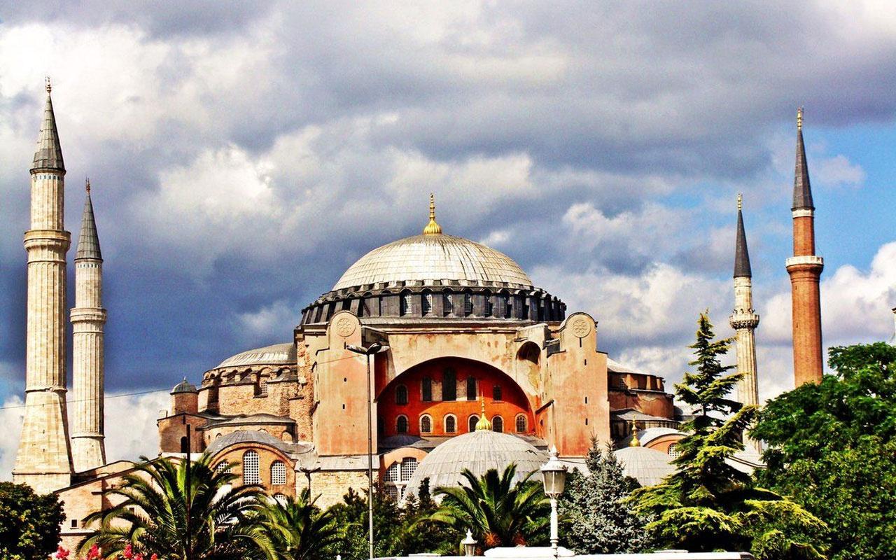 Ayasofya Camii'nde namaz nerede kılınacak kaç kişi namaz kılacak?