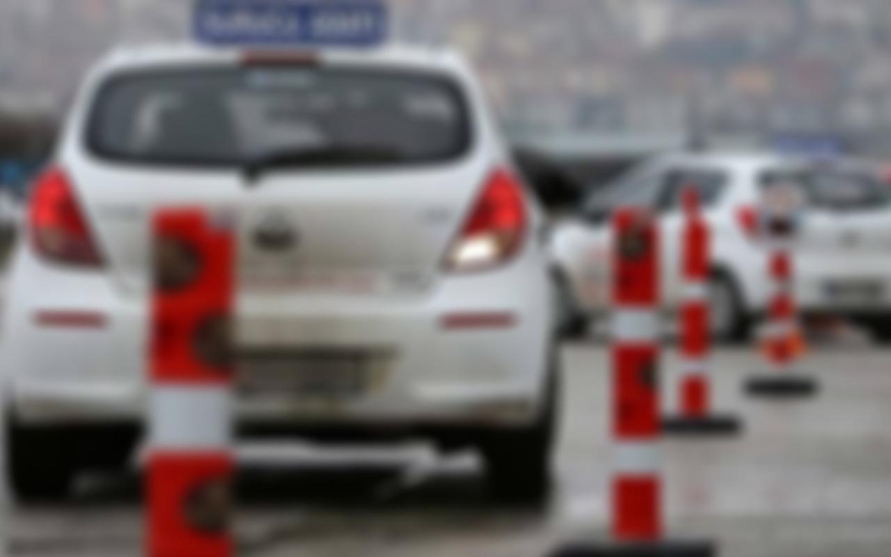 Muş'ta ehliyet sınavına giren 'joker' aday polise yakalandı