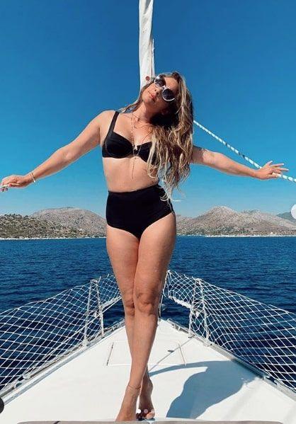 Müge Boz bikinili halini paylaştı kilolu hali için ise bakın neler anlattı