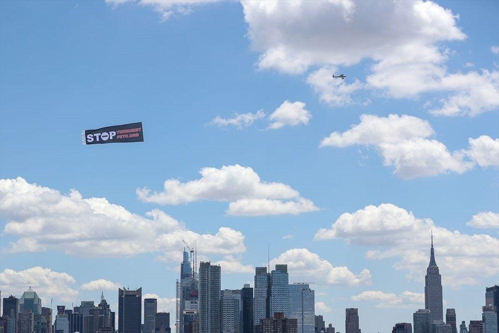 ABD'de 15 Temmuz havadan ve karadan pankartlarla anlatıldı