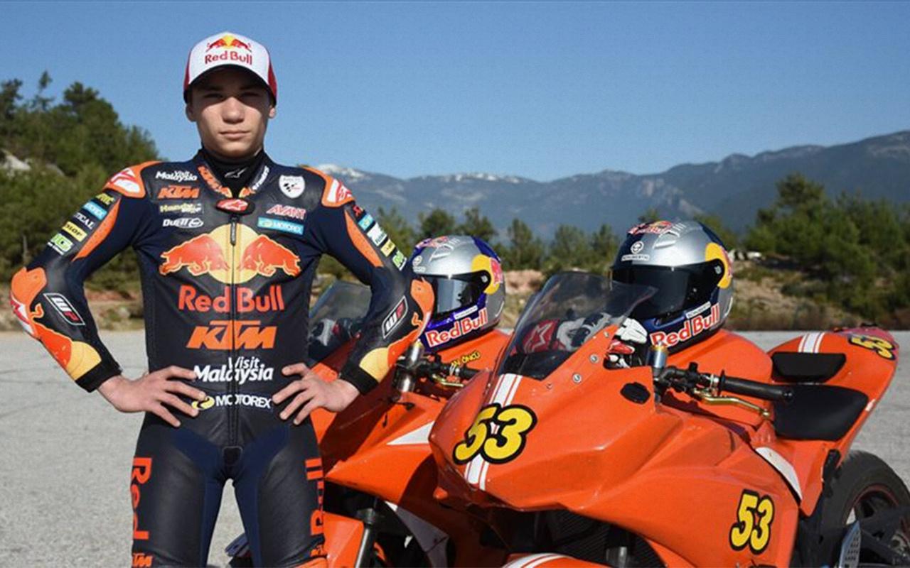 Milli motosikletçi Deniz Öncü İspanya'da piste çıkıyor