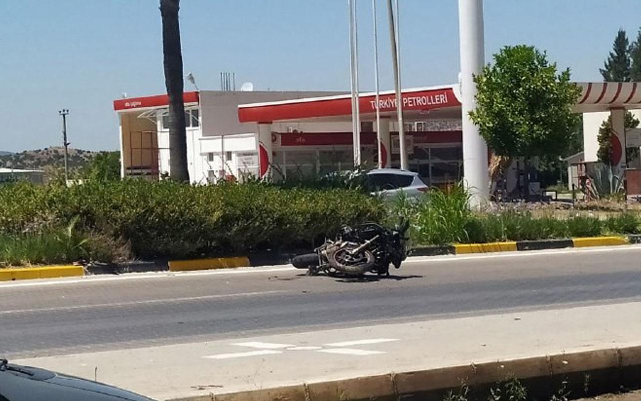 İzmir'de motosikletler çarpıştı 1 kişi öldü 2 polis yaralandı