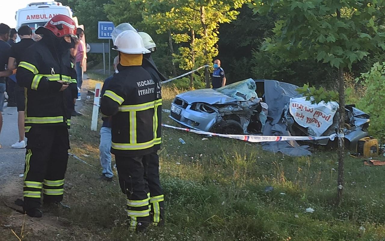 Kocaeli'de kamyonla çarpışan otomobildeki aynı aileden 5 kişi hayatını kaybetti