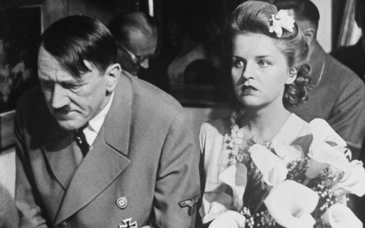Hitler'in cinsel yaşamı ifşa oldu! Sevişirken kendine tekme attırırdı