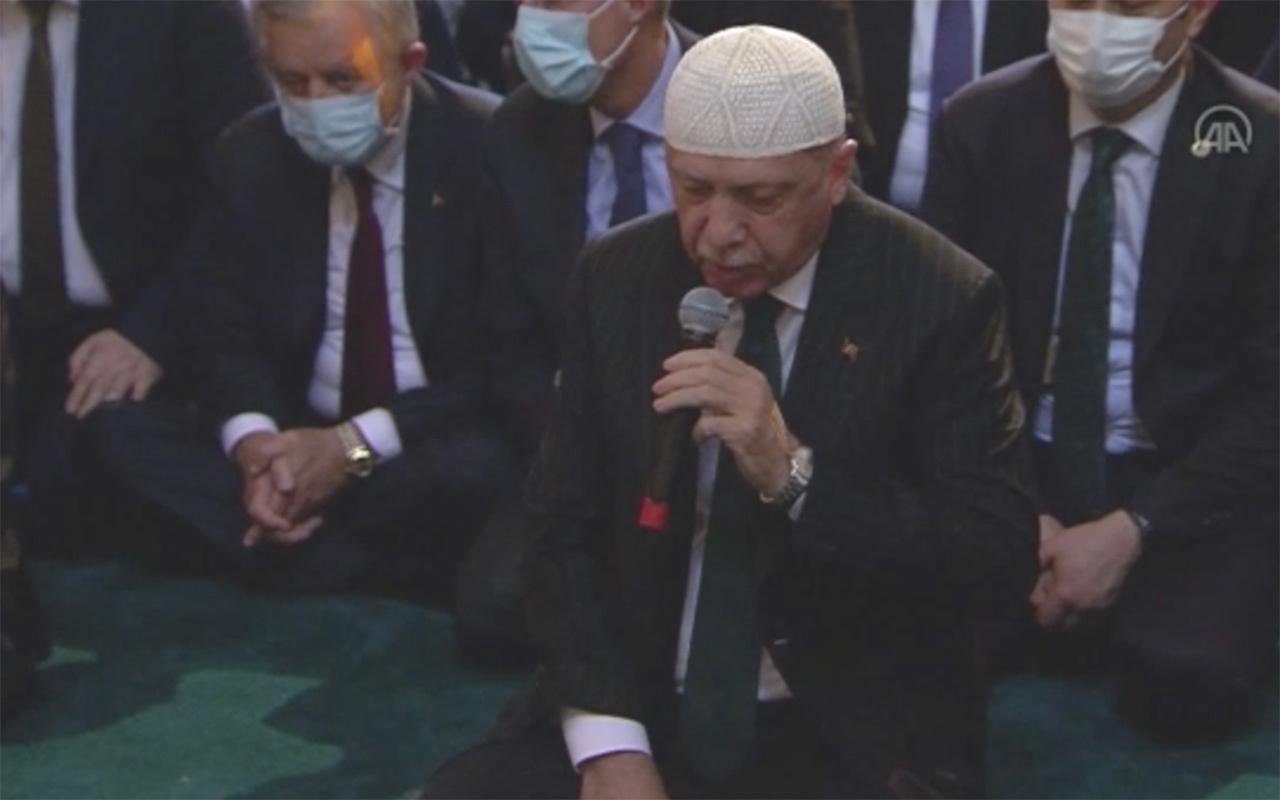 Cumhurbaşkanı Erdoğan Ayasofya'nın açılışında Kur'an-ı Kerim okudu! İşte o anlar