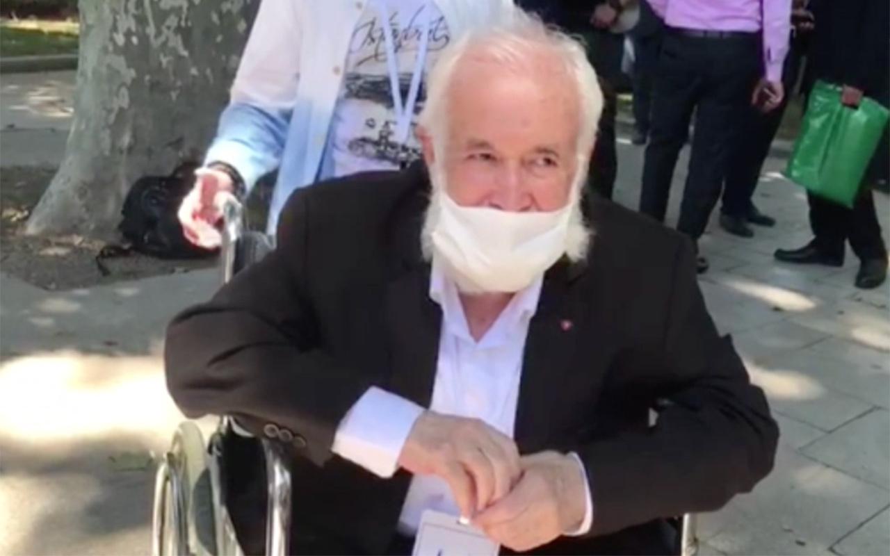 """""""Ayasofya davasını"""" kazanan İsmail Kandemir Ayasofya'da ilk Cuma için camide"""