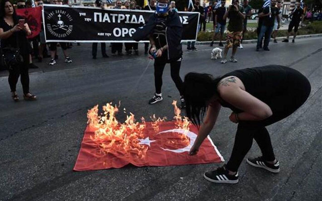 Yunanistan'da Ayasofya cinneti Selanik'te Türk bayrakları yakıldı