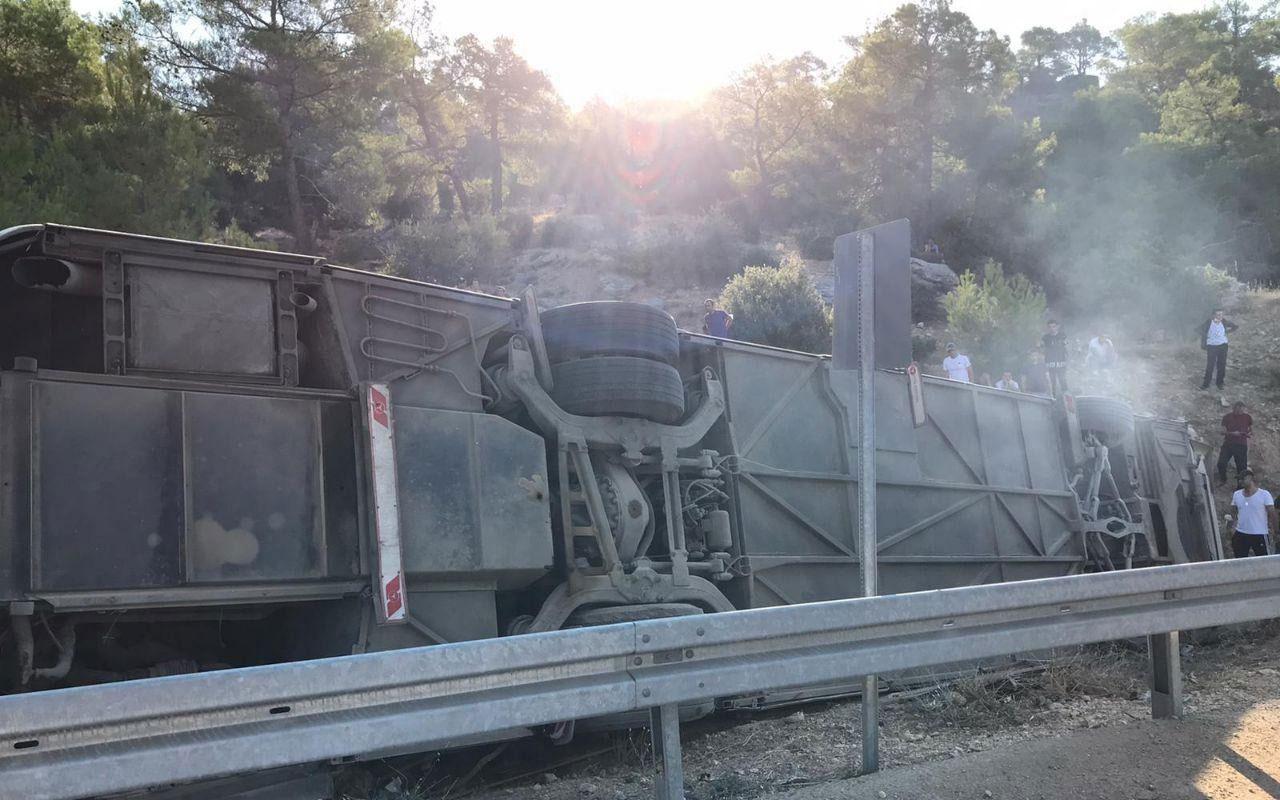 Mersin Mut'ta askerleri taşıyan otobüs devrildi: 4 asker şehit oldu, 27 yaralı var