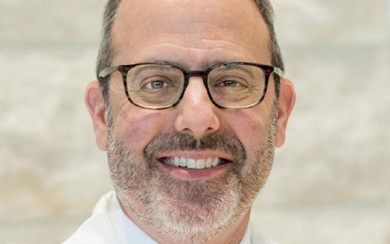 ABD'de bir doktor daha koronavirüsten hayatını kaybetti
