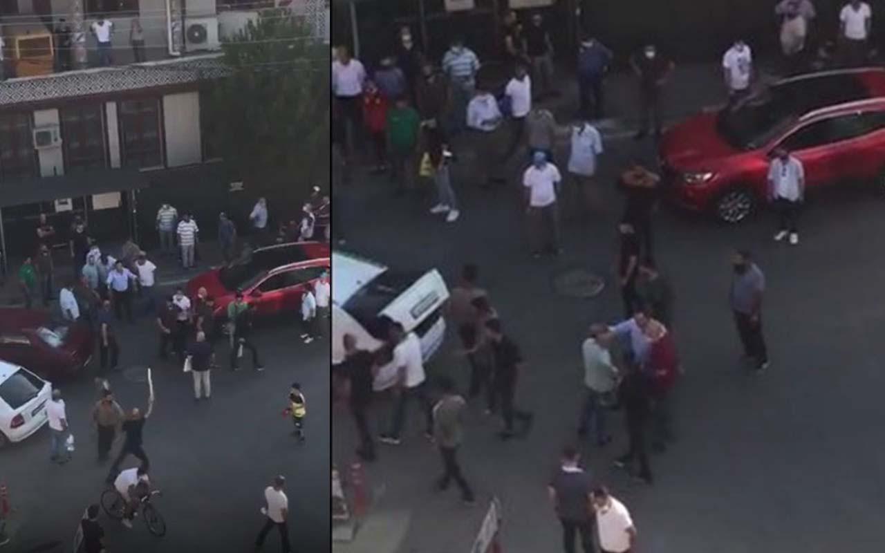 Bursa'da trafikte meydan muharebesi gibi kavga kamerada