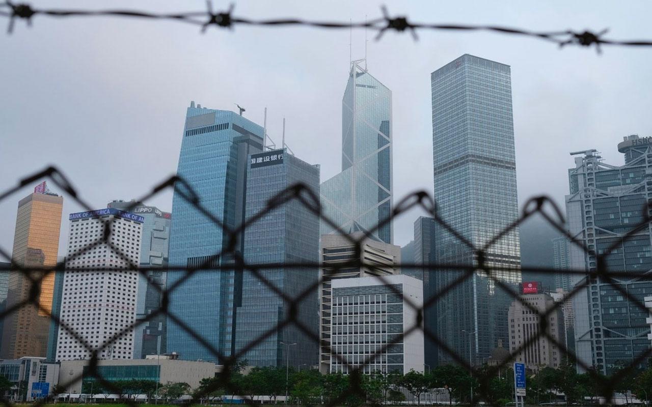 Trump'ın istediğini Hong Kong yaptı! Korona nedeniyle Eylül'deki seçimler ertelendi