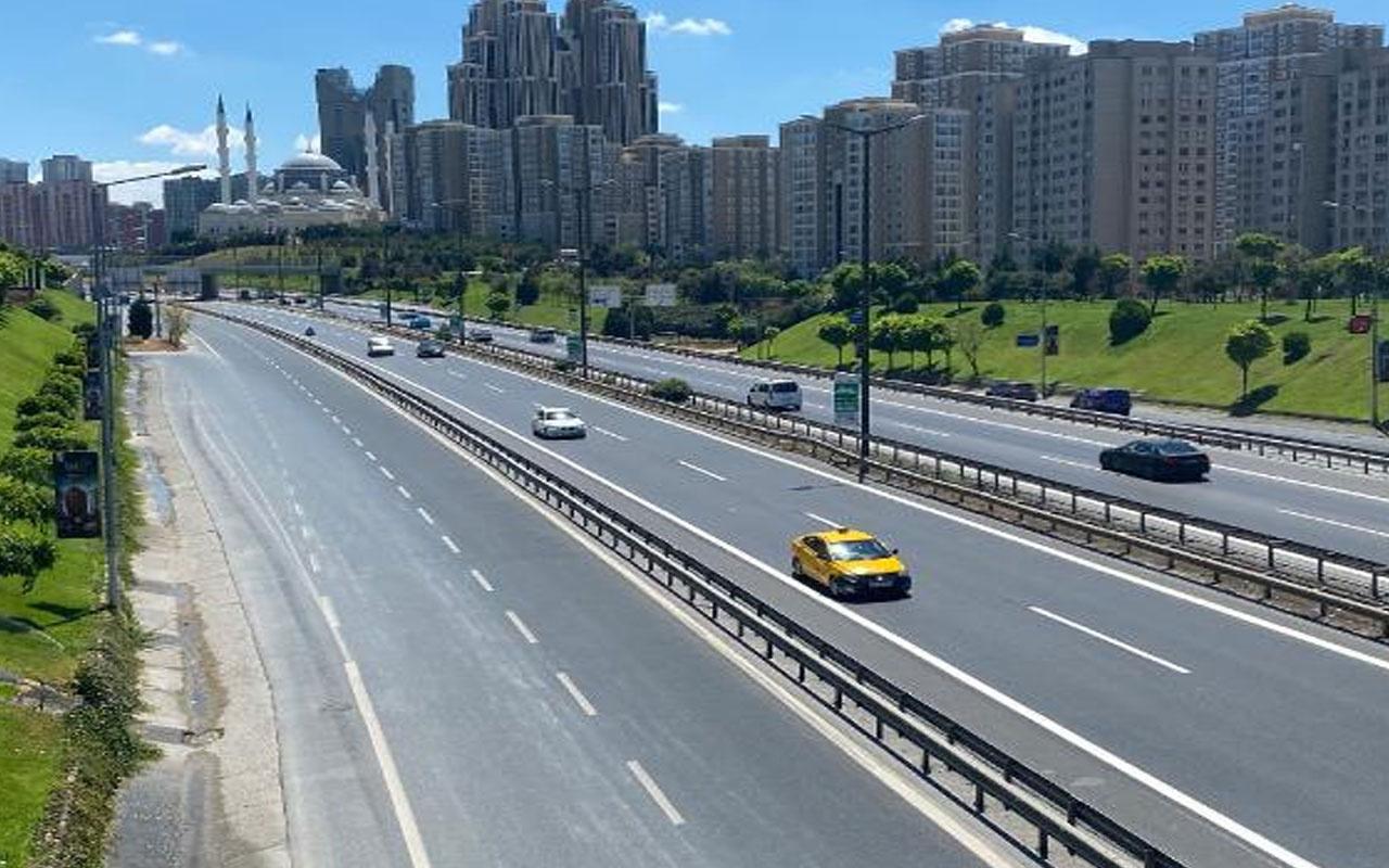 İstanbul'da bayramın ilk gününde yollar boş kaldı!