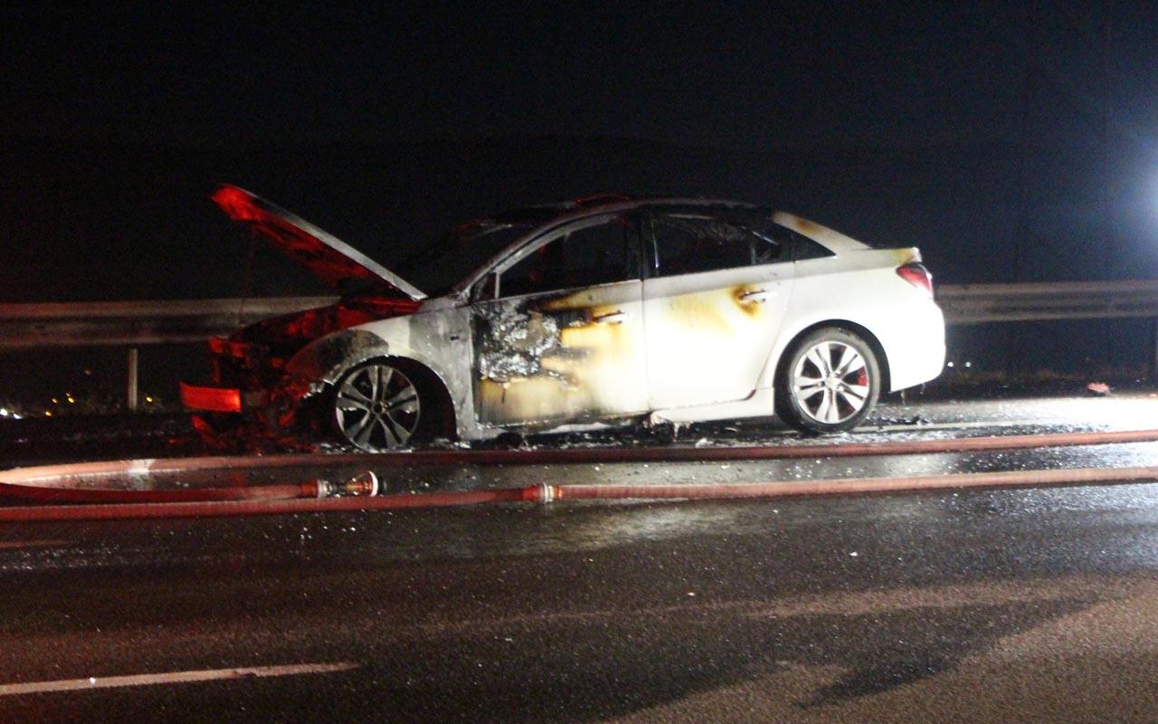 Bolu otoyolunda yanan otomobil paniği yaşandı