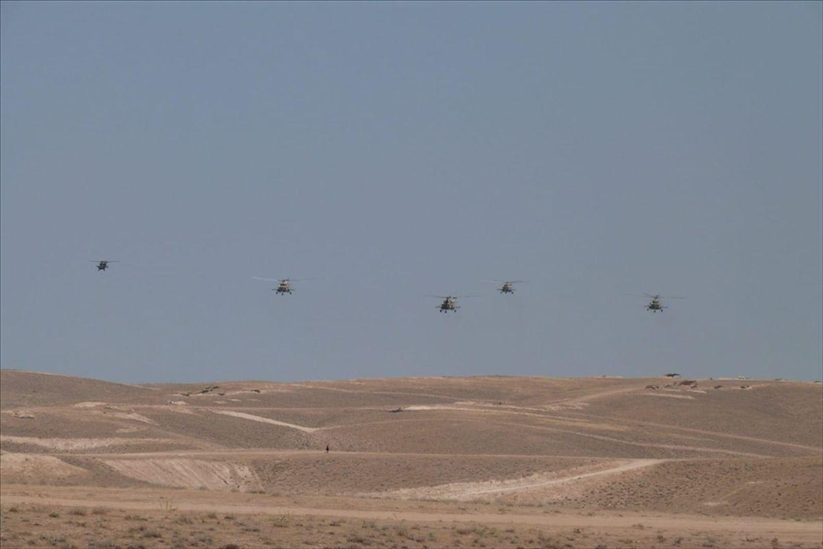 Türkiye ve Azerbaycan'ın geniş kapsamlı ortak askeri tatbikatı sürüyor
