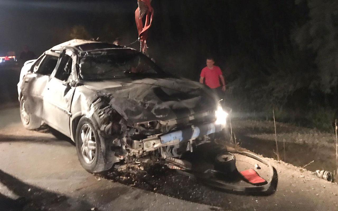 Afyonkarahisar'da otomobil devrildi: 2 ölü 4 yaralı