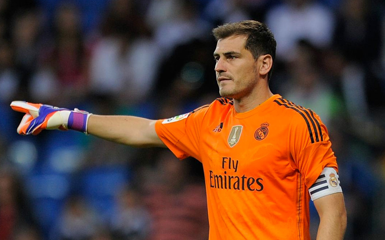 Iker Casillas futbola son noktaya koydu