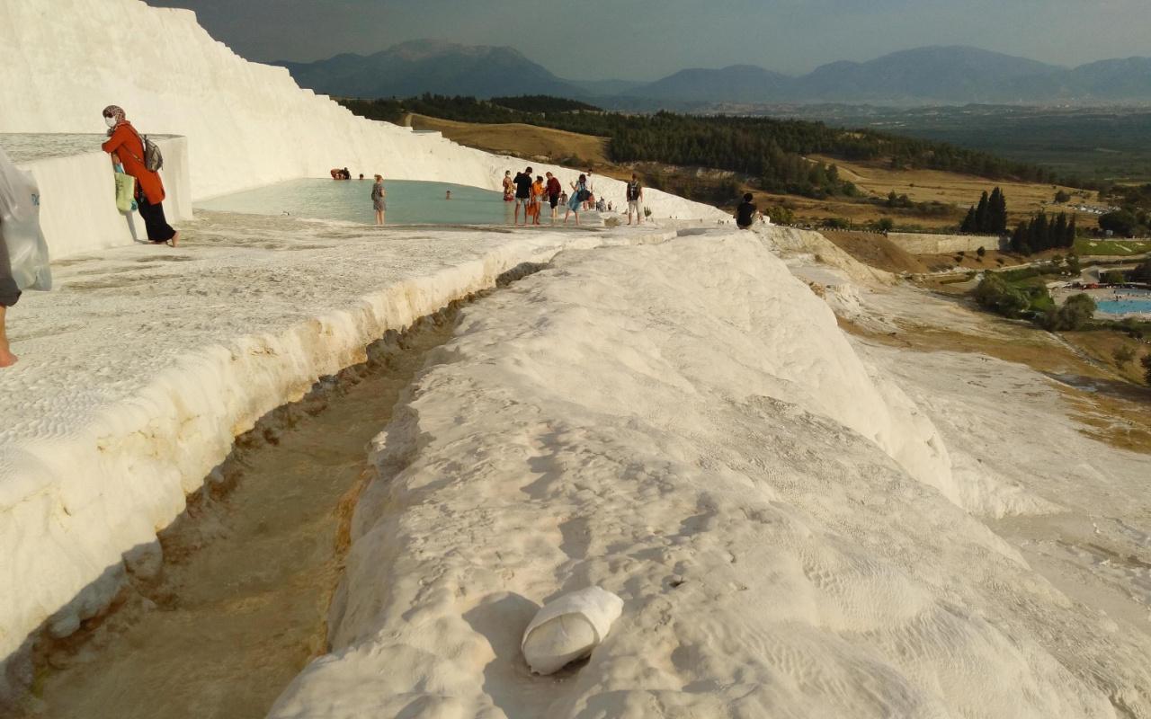 Denizli'deki beyaz cennetten utandıran görüntü! Pamukkale'nin haline bakın