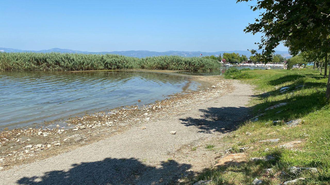 Bursa'da İznik Gölü çekilince halk tedirgin oldu