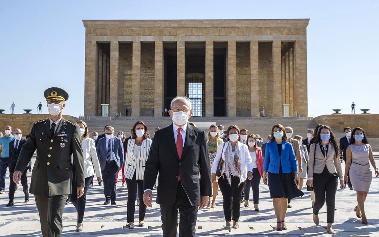 CHP lideri Kemal Kılıçdaroğlu kurultay sonrası Anıtkabir'e gitti