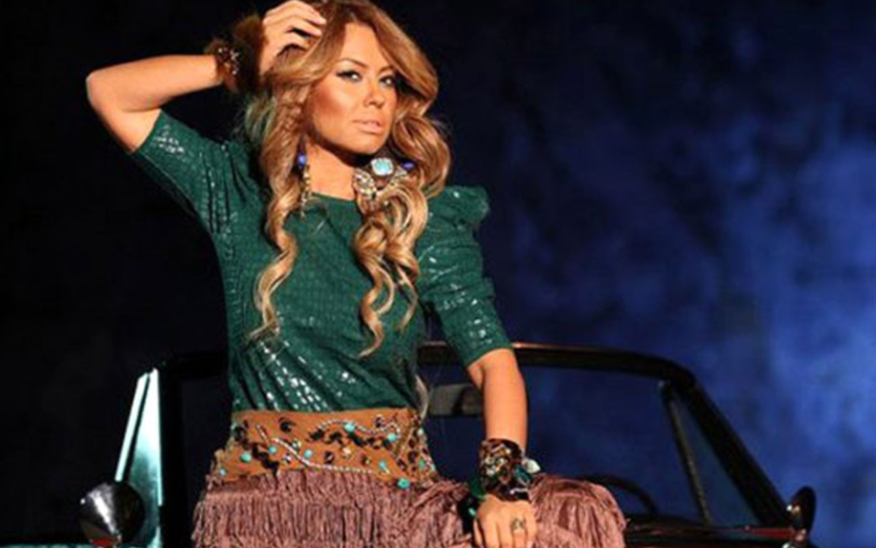 Şarkıcı Lara değişimiyle şoke etti! Estetik operasyonlar sonucu tanınmaz hale geldi