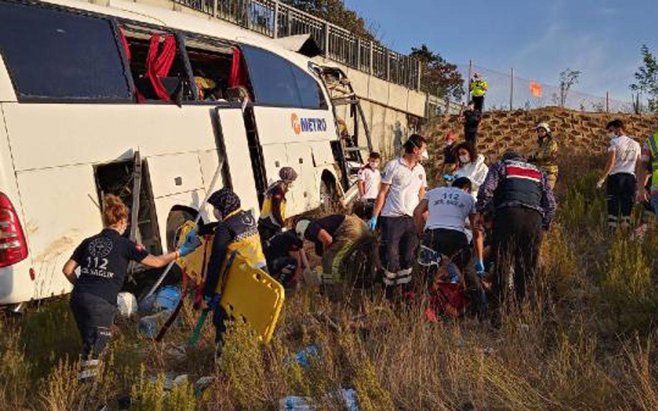 İstanbul'da yolcu otobüsü otoyoldan çıktı! Ölü ve yaralılar var