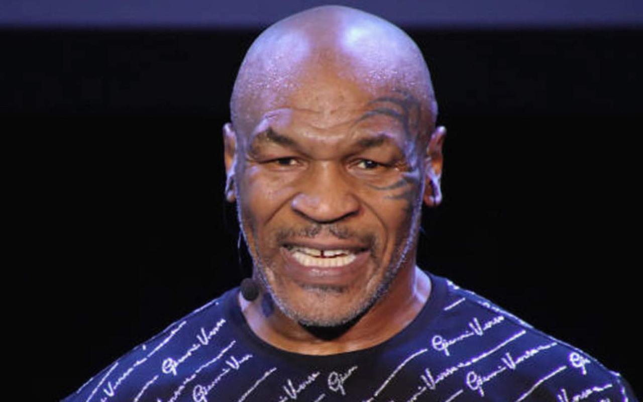 Mike Tyson'dan gövde gösterisi! Köpek balığıyla ringe çıktı