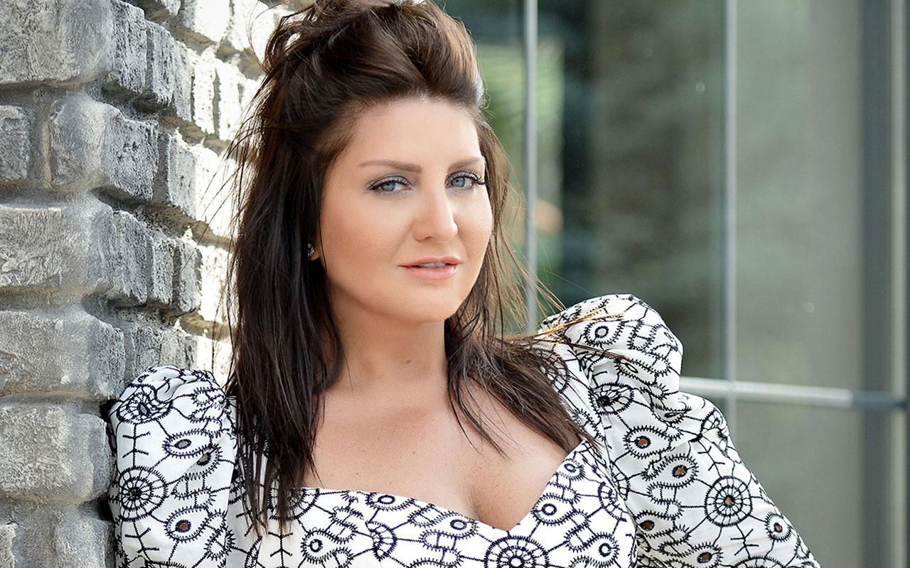 Sibel Can paylaştı eleştiri yağdı 50 yaşındaki şarkıcı bakın ne hale geldi