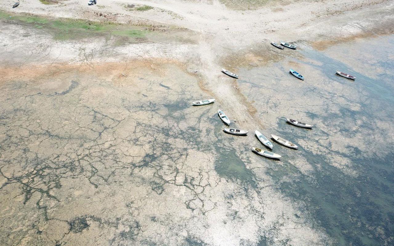 Marmara Gölü'nde su seviyesi sıfırlandı balıkçılık durdu